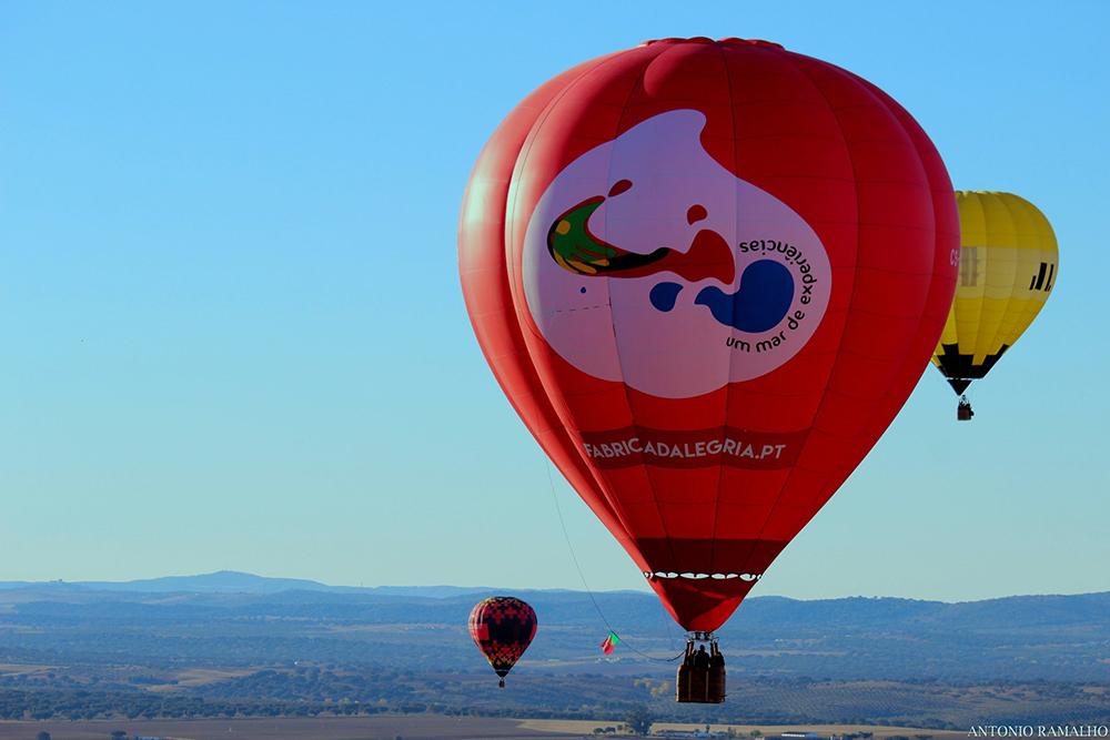 Voo livre num balão de ar quente